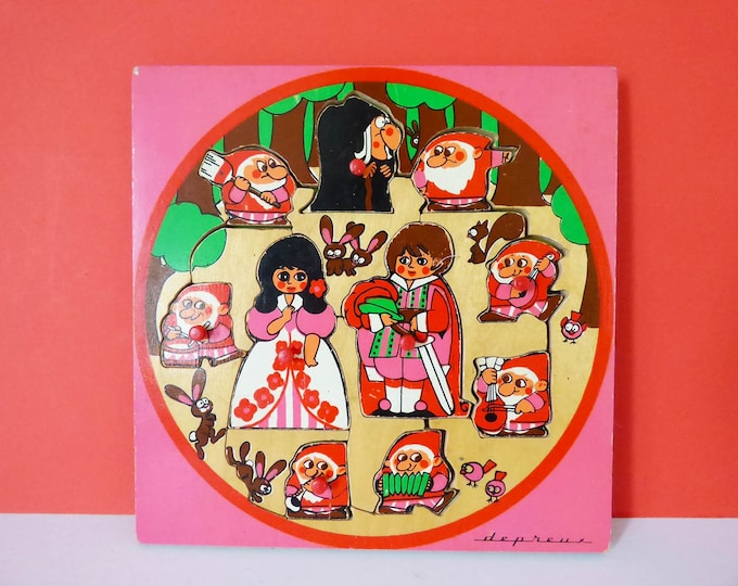 Vintage wooden Snow White puzzle tray