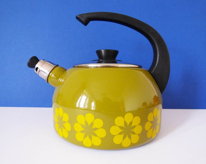 Whistling kettle Vintage from West Germany