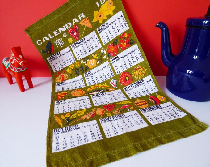 Vintage 1971 seasons calendar wall hanging