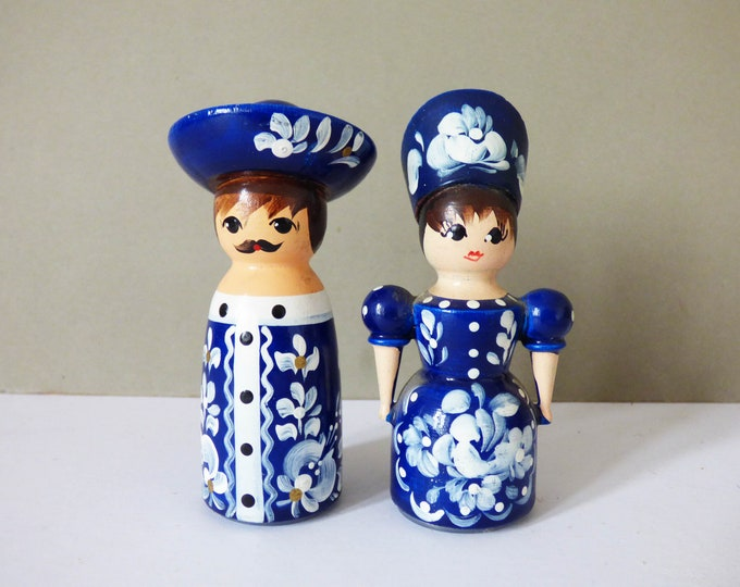 Wooden salt and pepper pots vintage