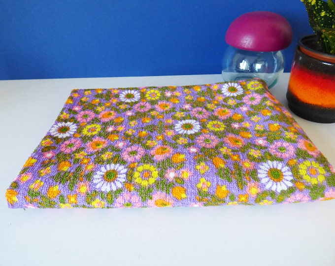 Vintage 1970's toweling fabric flower power