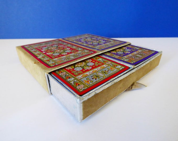 Vintage playing cards Cellutone Finish