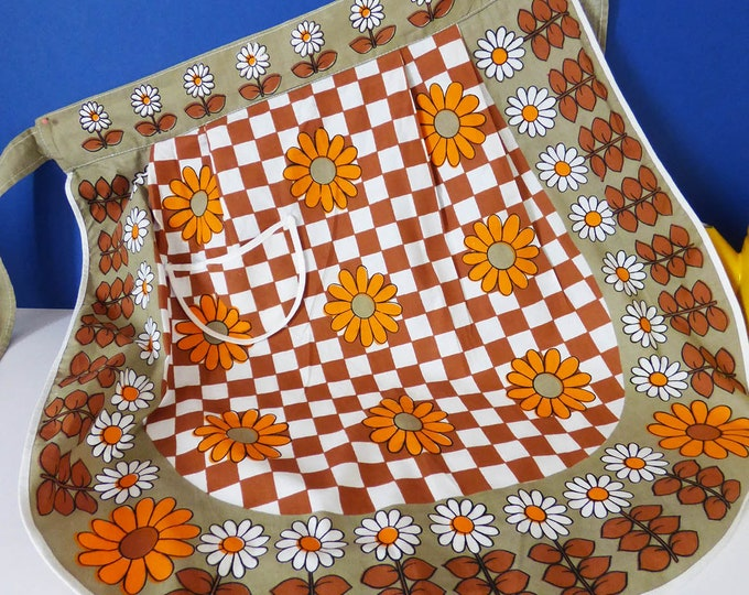 Vintage flower power apron / pinnie