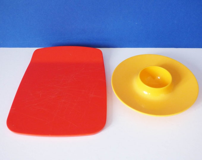 Melamine butter plaques, designed by Bjorn Christensenn, for Rosti Mepal of Denmark