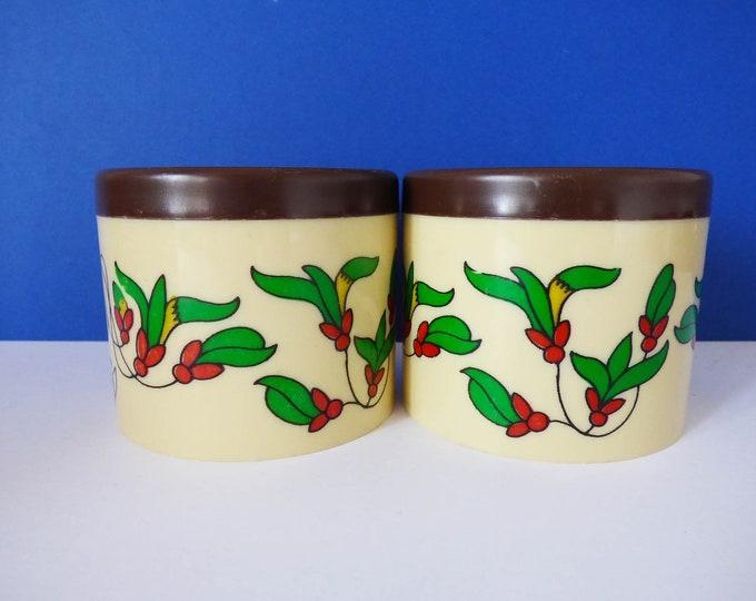Vintage Cute 1970's plastic pots