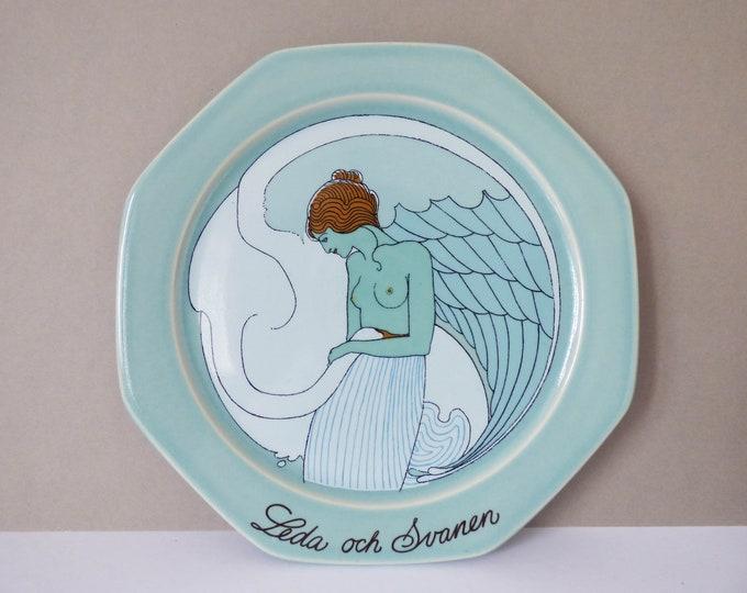 """Hoganas stoneware plate """"Leda Och Svannen""""  Ake Arenhill Sweden"""