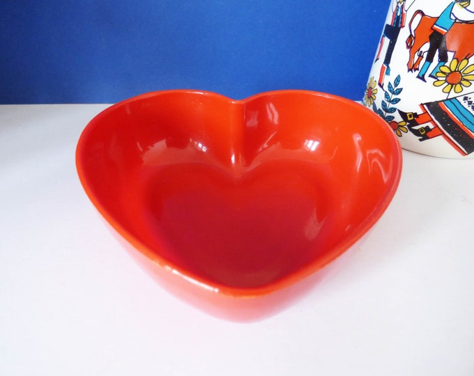 Vintage 1970's Heart shaped bowl