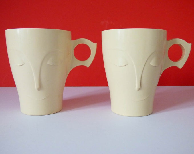 Vintage bakelite Bournvita sweet dreams mugs