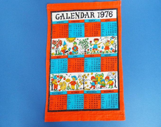 Vintage 1976 fabric calendar wall hanging