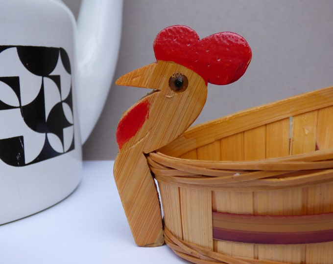 Small Chicken shaped basket