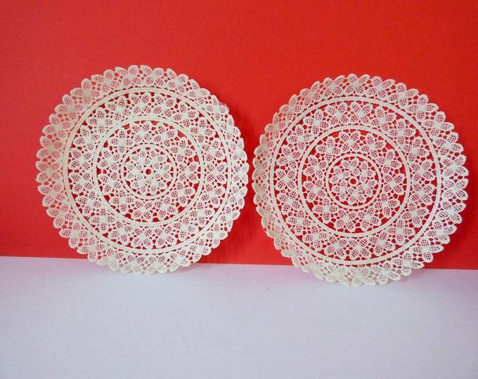 1960s Doily plates