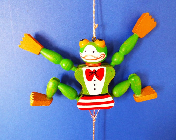Jumping Jack frog by Famo of Austria