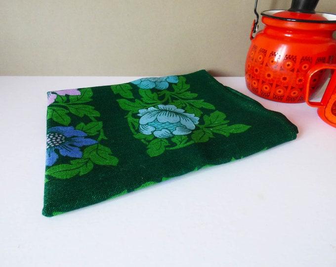Vintage 1970's flower design tea towel