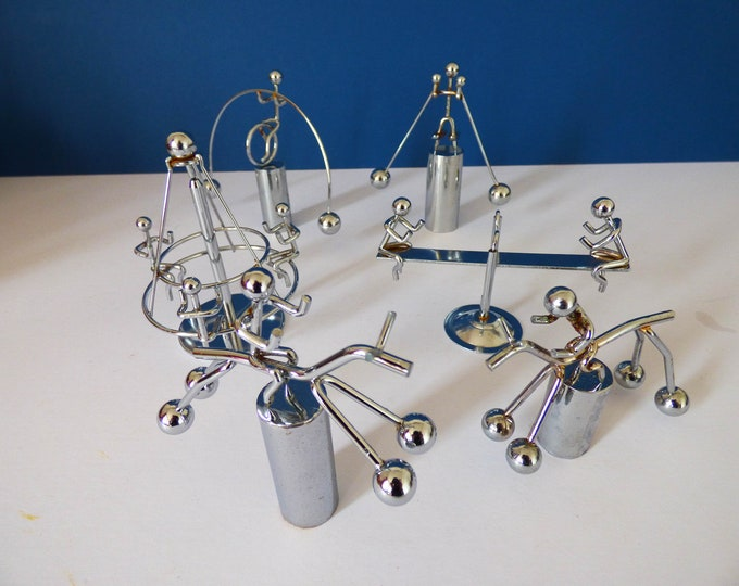 Kinetic toys