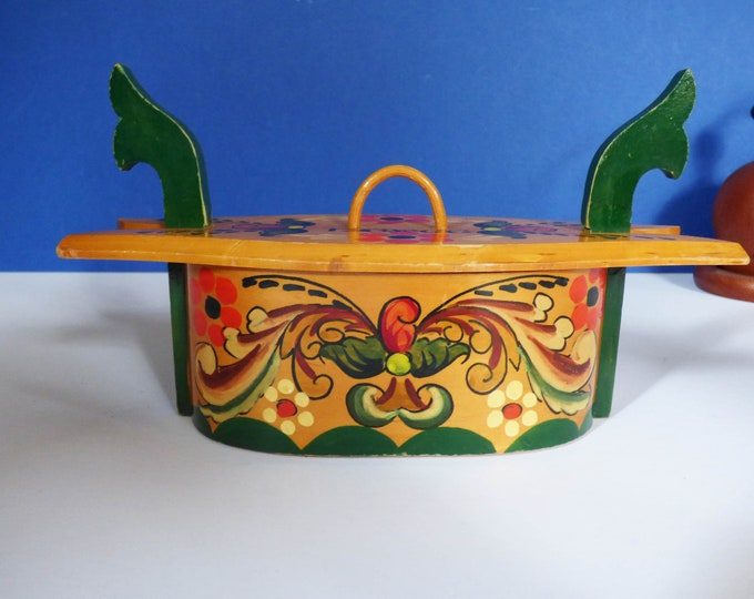 Vintage Tine Box Scandinavian wooden Norweigen lunch box