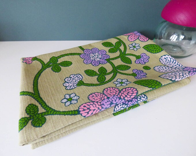 Vintage flower power table cloth