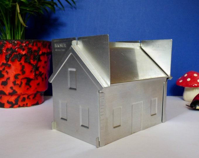 Kaiser House cake tin