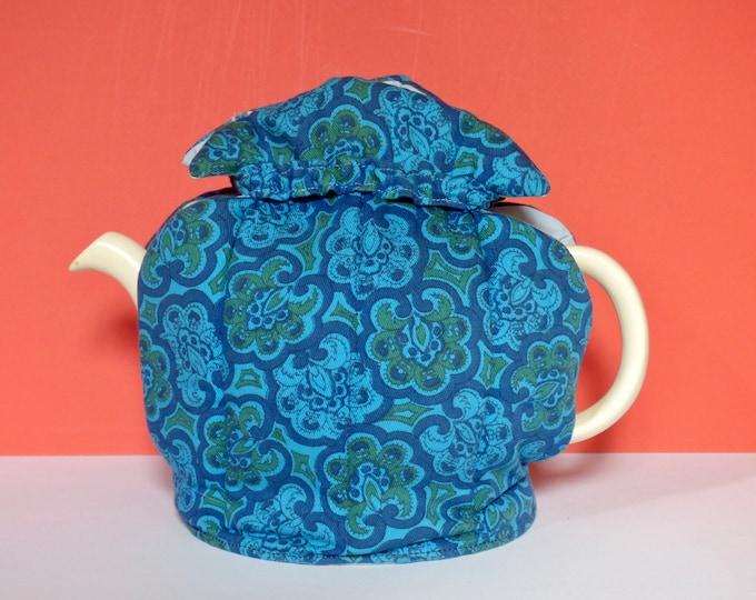 Vintage tea cosi flower power