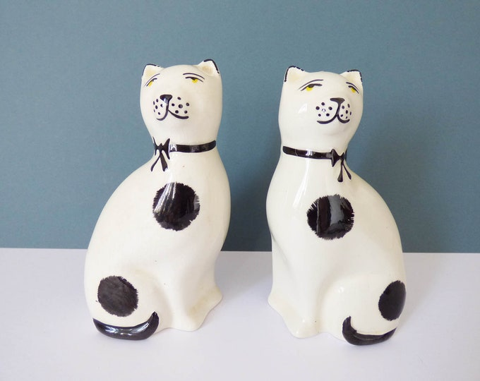 Pair of ceramic cats by Arthur Wood