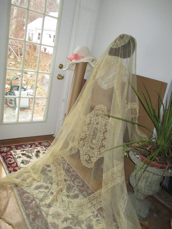 Antique normandy mixed lace long veil antique wedd