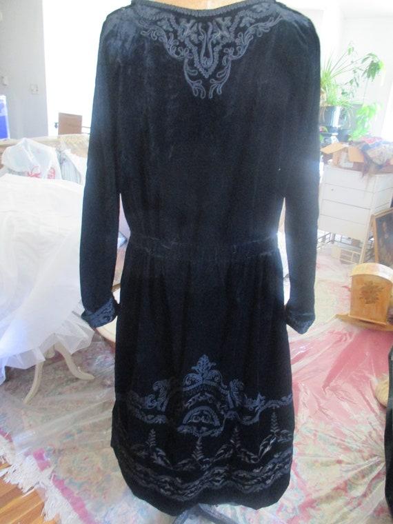 antique 1920 velvet dress