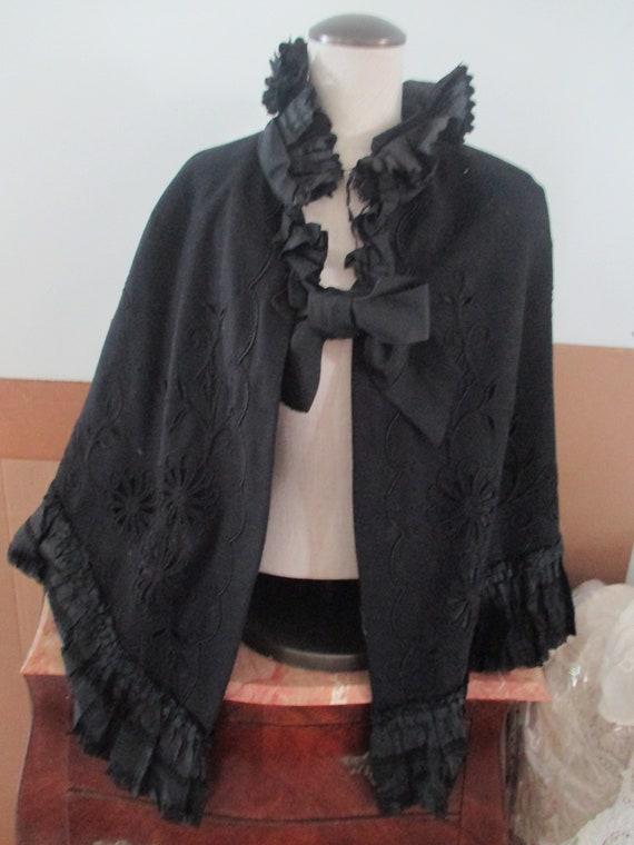 Antique Victorian black wool Cape - image 3