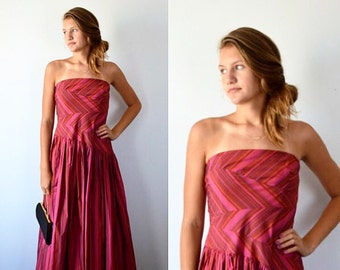 Evening Gown, Ball Gown, David Meister, 1990s Evening Gown, Red Strapess Evening Gown, Formal, Prom, Wedding, Vintage Gown