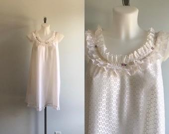 09de2cc6a277 Vintage White Lace Short Nightgown, 1960s Nightgown, St. Michael, White  Nightgown, Lingerie, Vintage Lingerie, Nightgown