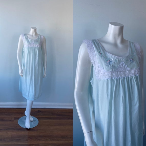 Barbizon, Vintage Pale Green Nightgown, Green Nigh