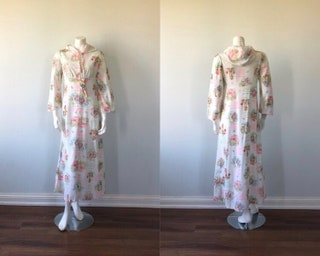 Vintage Nightgown, Guilford Mills Ultravelle, Vintage Hooded Nightgown, Nursery Rhyme Nightgown, 1970s Nightgown
