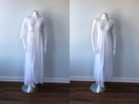 Vintage White Peignoir Set, Vintage White Chiffon