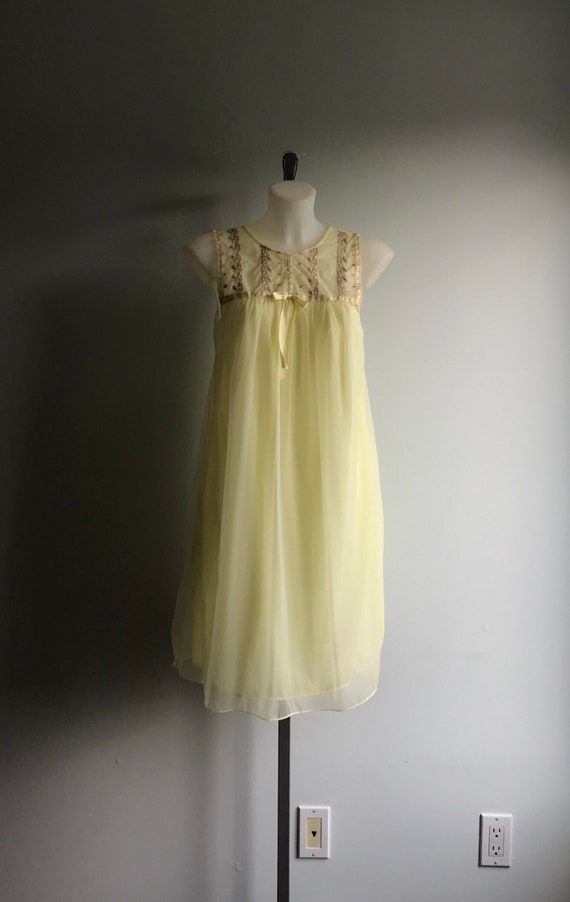 Vintage Yellow Chiffon Nightgown, 1960s Nightgown… - image 2