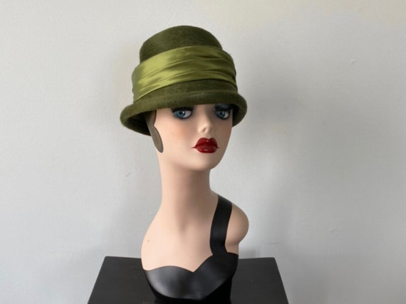 Vintage Melusine Hat, Vintage Ladies Hat, 1950s Gr