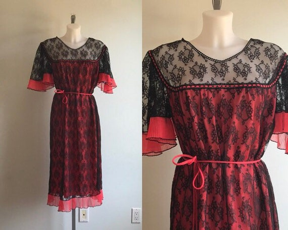 Vintage Black Lace Nightgown, Black Lace Red Linin