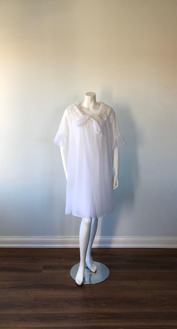 Vintage White Chiffon Peignoir Set, 1960s Peignoi… - image 3