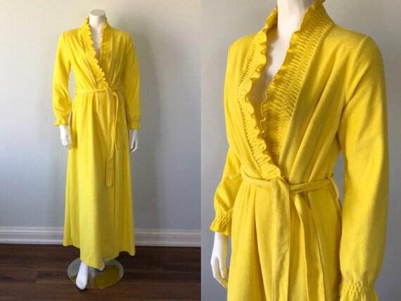 Vintage Yellow Terry Cloth Robe, 1970s Robe, Blanc