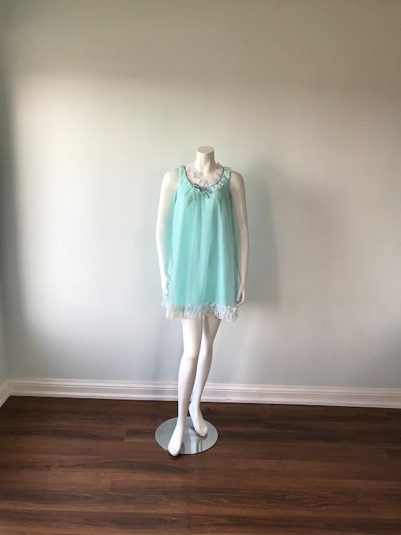 Size ML Vintage 1960/'s Sleeveless Bright Aqua Nylon Nightgown