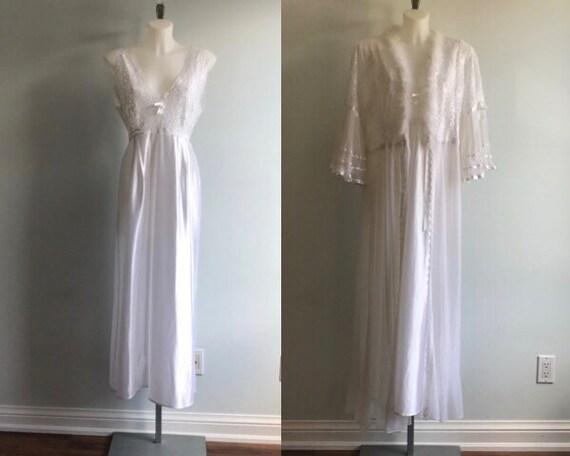 Vintage Peignoir, Vintage White Peignoir, Bridal,