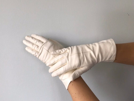 Vintage White Leather Gloves, 1950s White Leather