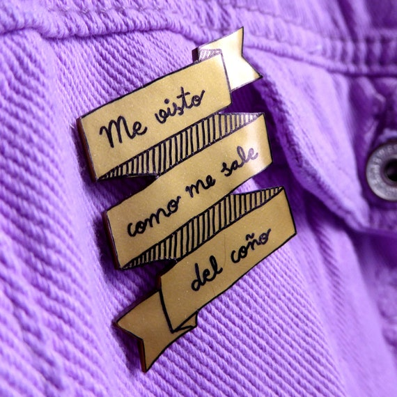 El amor no duele  Love does not hurt OOAK. handmade pin