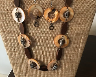 Brown Varied Necklace and Earrings