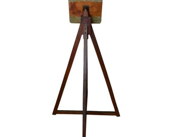 French Art Easel and Lectern of Oak with Adjustable Top, early 1900s.