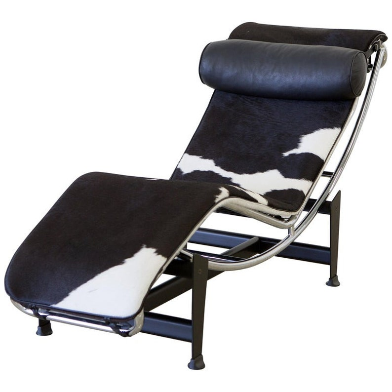Le Corbusier LC4 Chaise with Chrome Frame Natural Hide by image 0