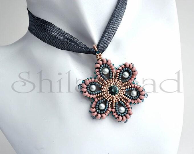 Beaded Jewellery - Marguerite Pendant