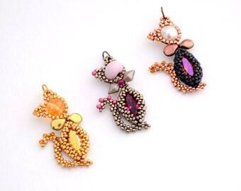 Beaded Jewellery - Beaded Cat Pendant