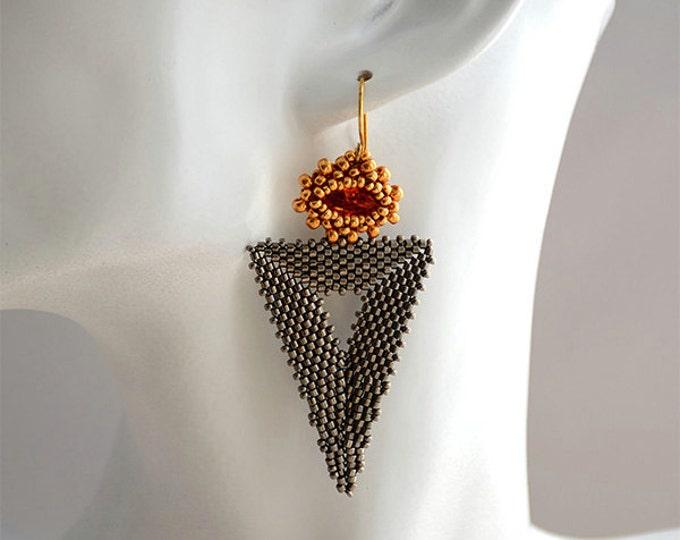 Beaded Jewellery - Bermuda Triangle Earrings Astral Pink/Steel