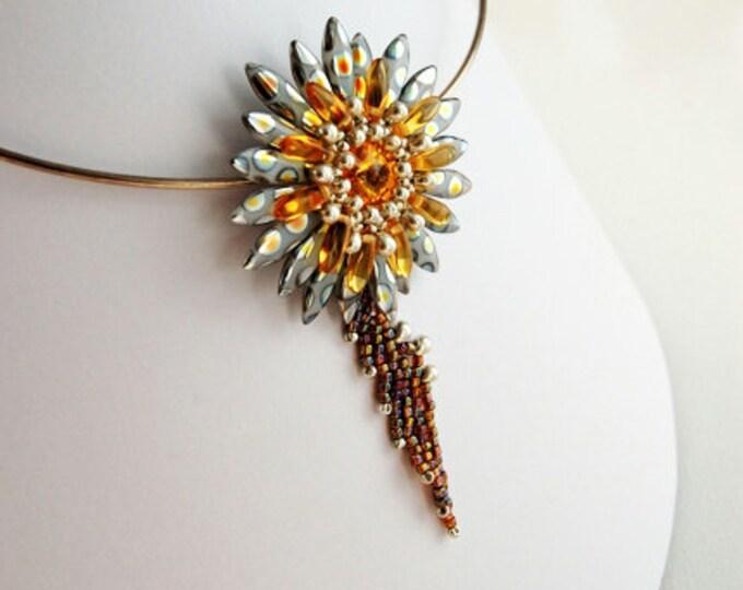 Beaded Jewellery - Flower Pendant