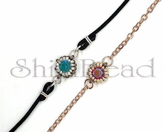 Beaded Jewellery - Bracelet with bezeled Swarovski Chaton SS29 6 mm Round Stone - Colour of your choice