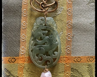 Symbols of All Souls Trilogy by Deb Harkness . Vintage carved Jade Firedrake Dragon - ouroboros- Knot of 10 and fresh water pearls.