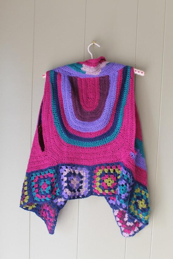 70s Granny Square Vest Crocheted vest handmade Kn… - image 5